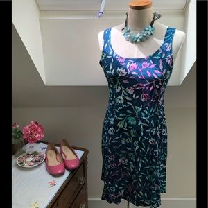NWT sweet size M flowy navy and pink dress